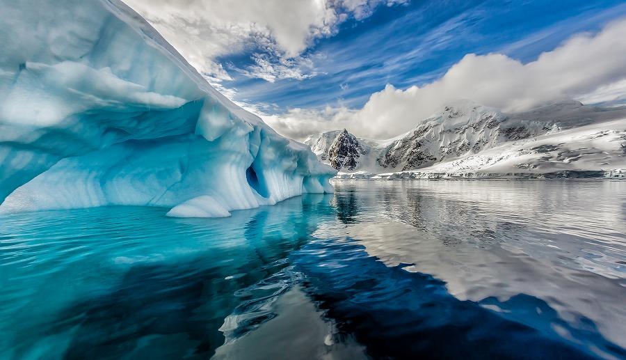 氷山 の 一角 意味